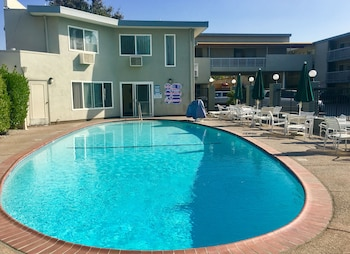 Choose This Cheap Hotel in San Jose