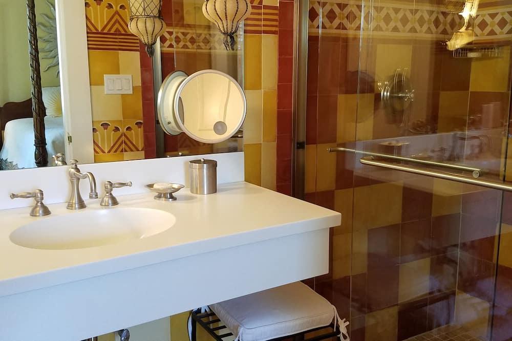 Grand Deluxe Chamber - Bathroom