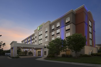 Picture of Holiday Inn Express & Suites Baltimore - BWI Airport North in Linthicum Heights
