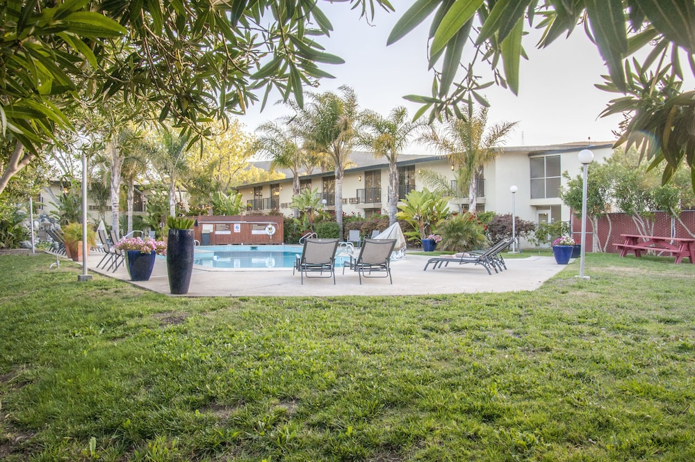Rose Garden Inn San Luis Obispo, San Luis Obispo, Outdoor Pool Pictures