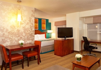 Book this Free wifi Hotel in Greenbelt