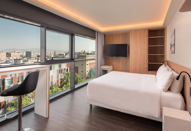 Four Points By Sheraton Barcelona Diagonal, Barcelona, Executive-Zimmer, 1King-Bett, Eckzimmer, Zimmer