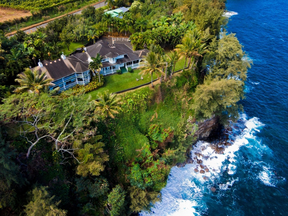 Picture Of The Palms Cliff House Inn In Honomu