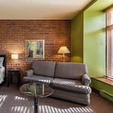 Superior La Fontaine Room, Park View - Living Area