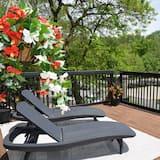 Lafontaine Executive Suite, Park View  - Balcony