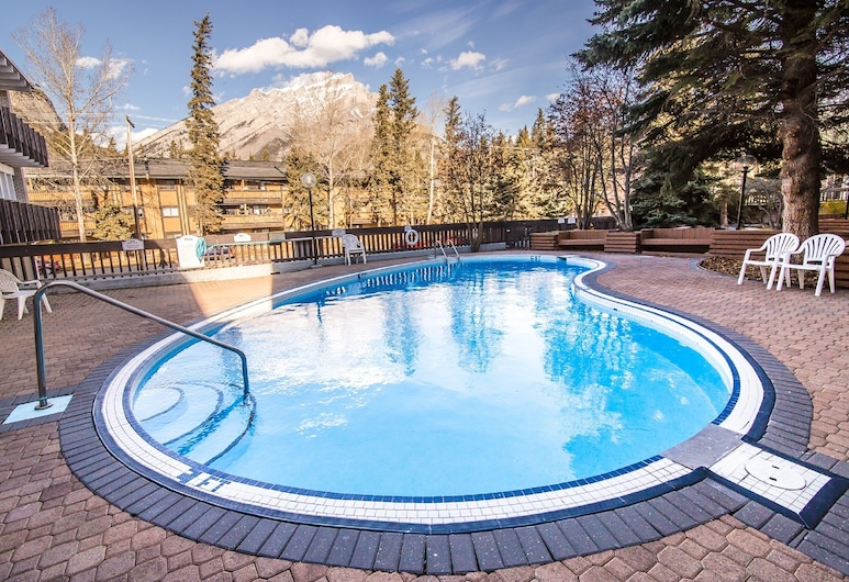Banff Voyager Inn, Banff, Outdoor Pool