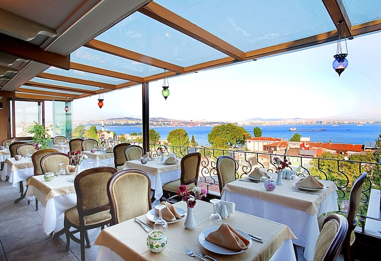 Azade Hotel, Istanbul, Utendørsservering