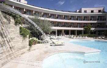 Choose This Business Hotel in Fiumicino -  - Online Room Reservations