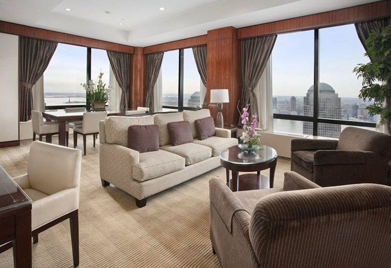 Millennium Hilton New York Downtown, New York, Suite, Guest Room