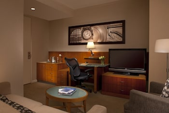 Choose This Business Hotel in New York -  - Online Room Reservations