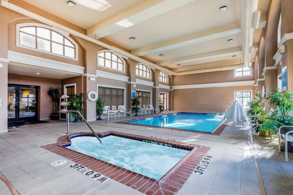 Book Comfort Inn Suites AirportAmerican Way In Memphis Hotelscom - Memphis pool table movers