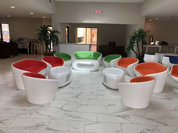 Picture of Clarion Inn & Suites in Orlando