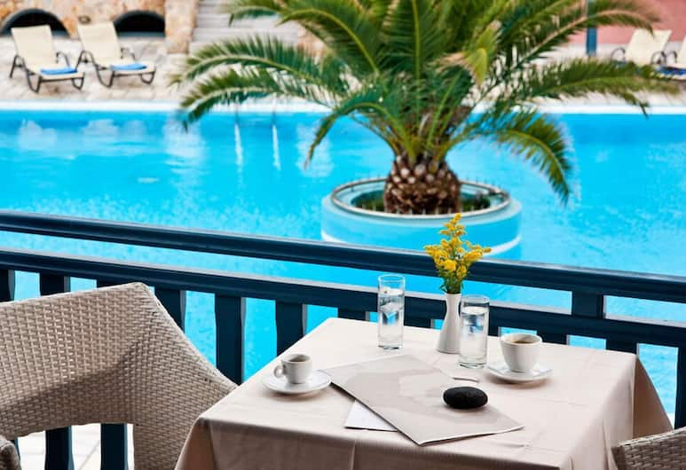 Aegean Plaza Hotel, Santorini, Outdoor Dining