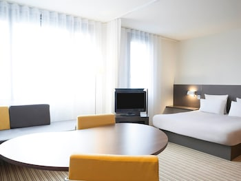 Choose This Luxury Hotel in Roissy-en-France