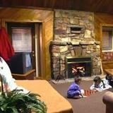 2 Story Cabin - Ruang Keluarga