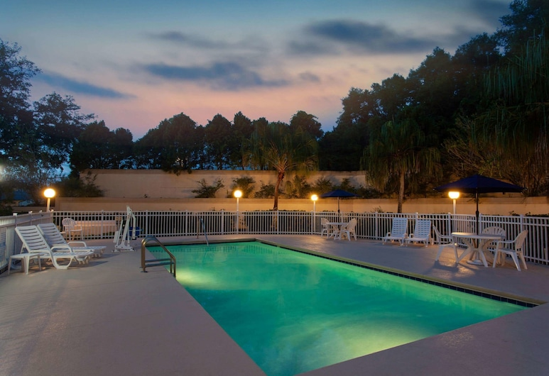 Microtel Inn & Suites by Wyndham Lady Lake/The Villages, Lady Lake, Basen