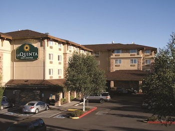 Picture of La Quinta Inn & Suites Vancouver in Vancouver
