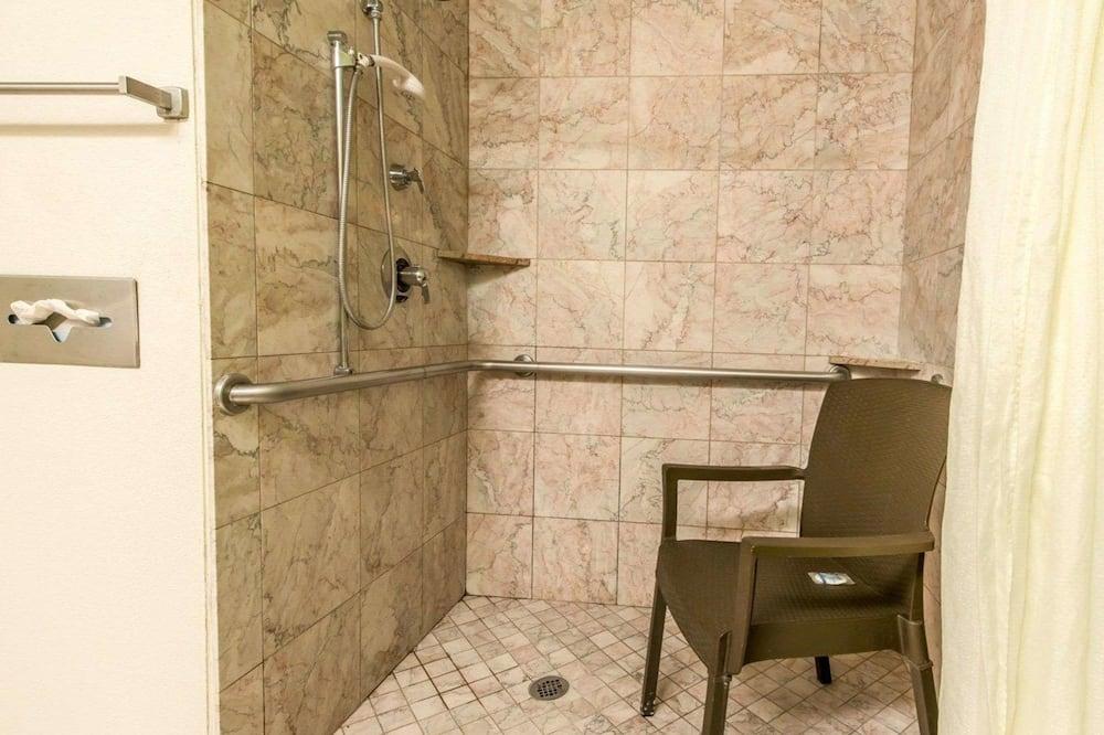 חדר, מיטת קינג, נגישות לנכים, ללא עישון - חדר רחצה