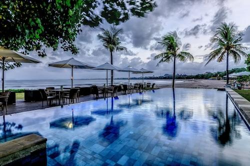 峇里花園海灘假日酒店/