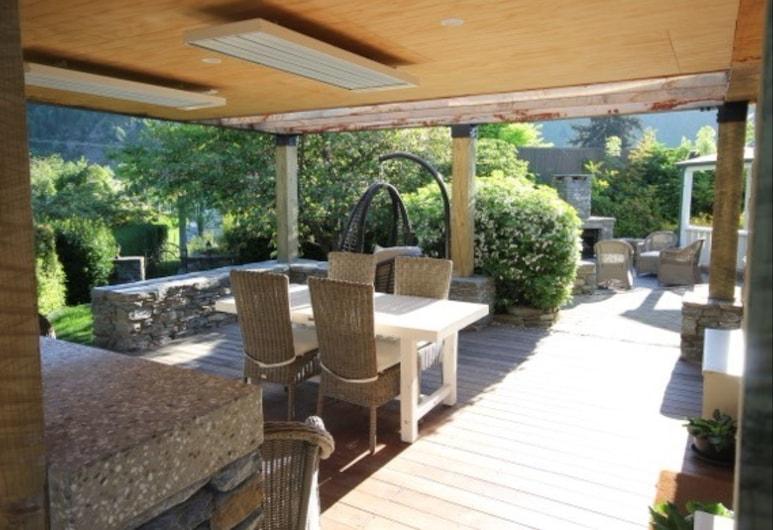 Arrowtown Lodge, Arrowtown, Açık Havada Yemek