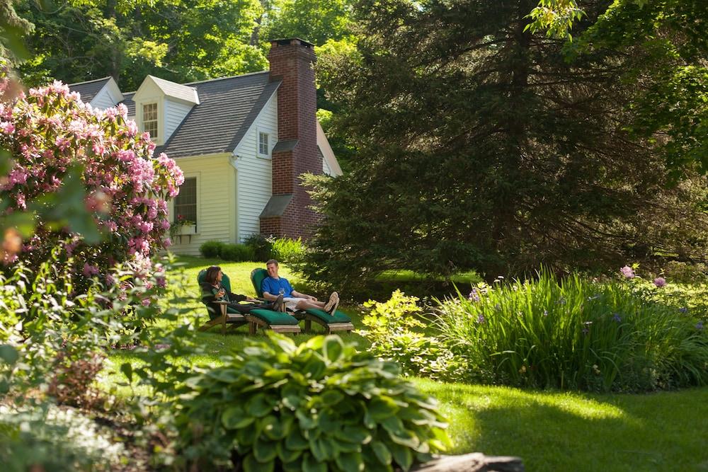 Book Garden Gables Inn in Lenox | Hotels.com