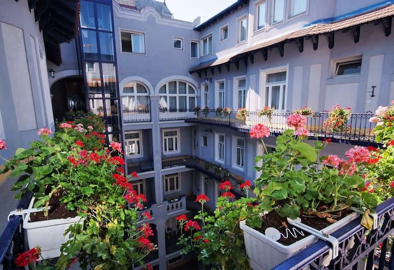 Baross City Hotel, Budapest, Gårdsplass