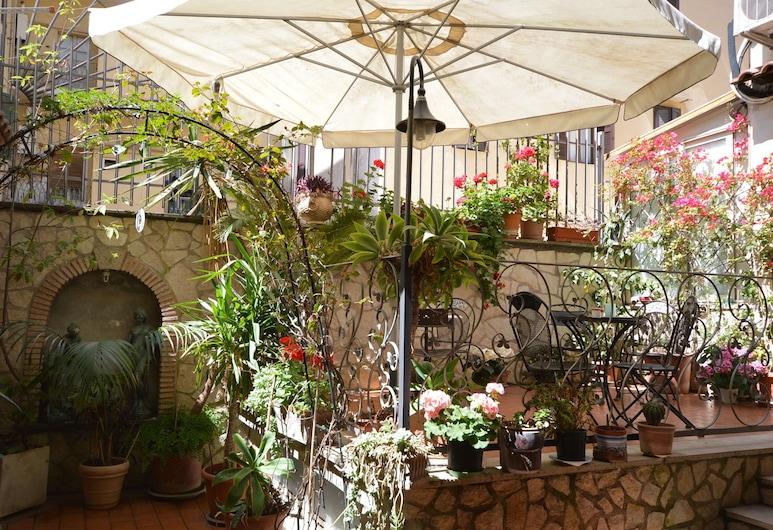 羅馬亞歷克西斯酒店, 羅馬, 花園