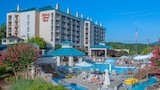 Choose This Mid-Range Hotel in Pigeon Forge