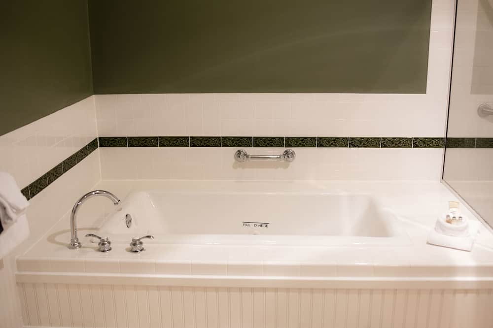 Loft, 1 King Bed - Jetted Tub