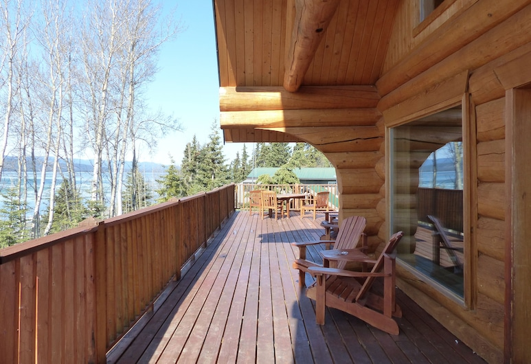 Inn on the Lake, Marsh Lake, Terraza o patio