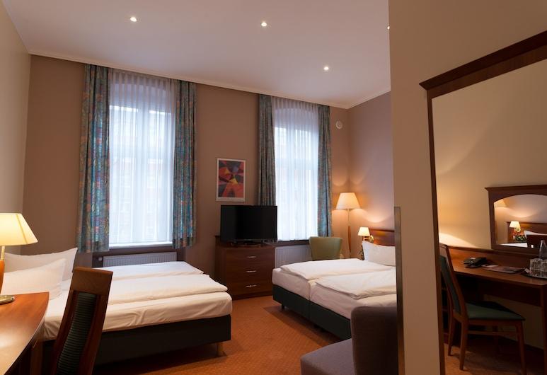 Rewari Hotel Berlin, Berlin, Vierbettzimmer, Zimmer