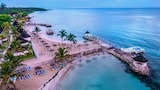 Choose This Beach Hotel in Runaway Bay -  - Online Room Reservations