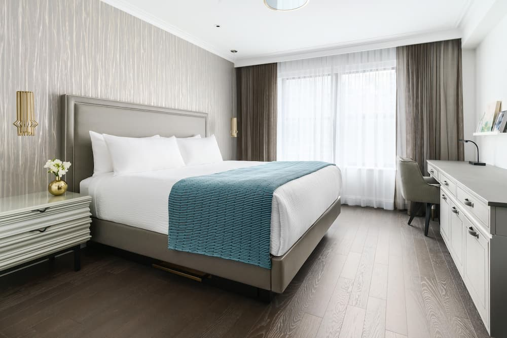 Superior Room, 1 King Bed, Accessible - Guest Room