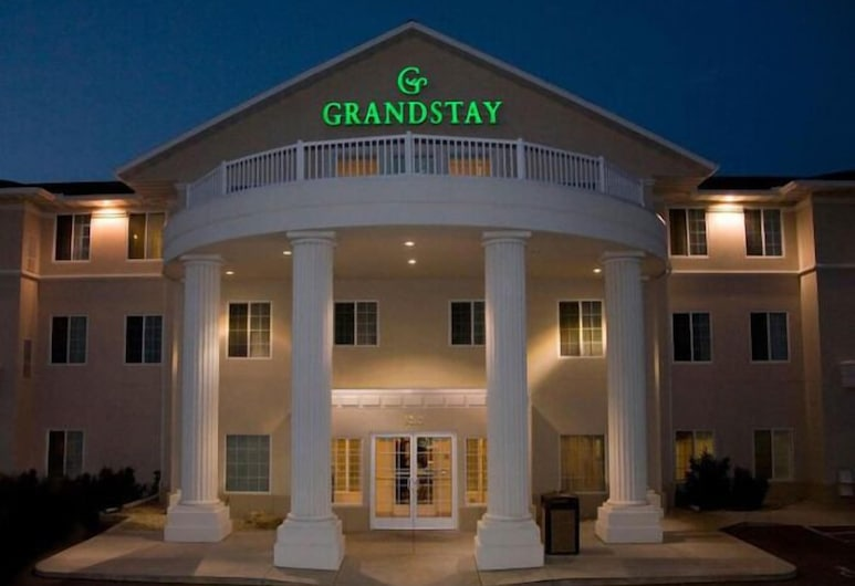 GrandStay Residential Suites - Madison East, Madison