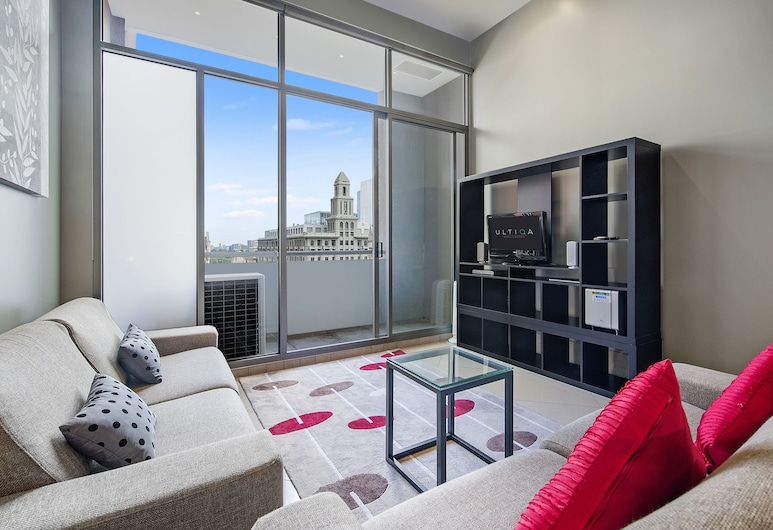ULTIQA Little Collins, Melbourne, 1 Bedroom Superior Apartment, Living Area