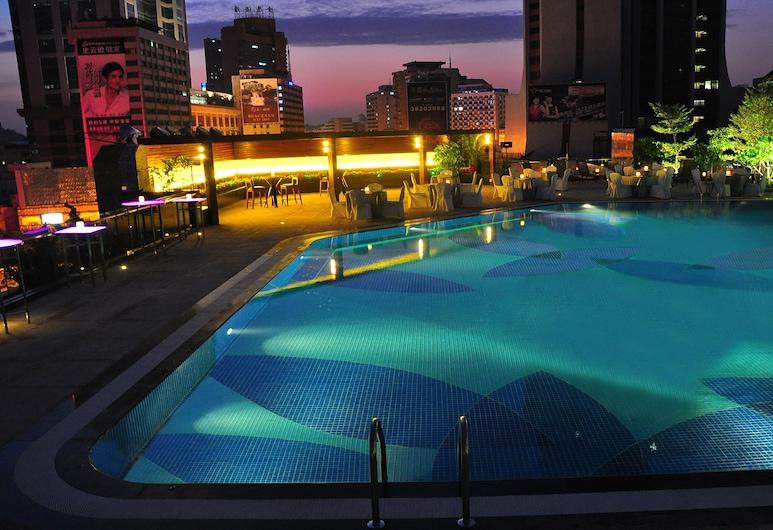 Crowne Plaza Guangzhou City Centre, Guangzhou, Pool