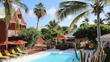 Choose This Mid-Range Hotel in Orient Bay
