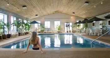 תמונה של Bayside Resort Hotel בWest Yarmouth