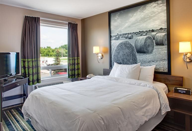Super 8 by Wyndham Brandon MB, Brandon, Room, 1 Queen Bed, Non Smoking (One-Bedroom), Guest Room