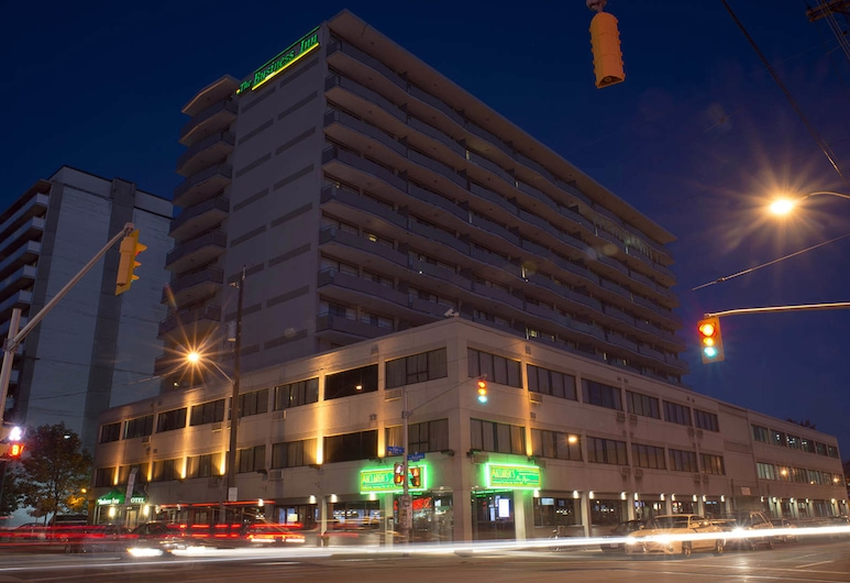 The Business Inn, Ottawa, Hotel Front – Evening/Night