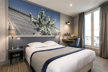 Picture of Hotel Saint Christophe in Paris