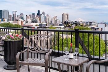 תמונה של Mediterranean Inn בסיאטל