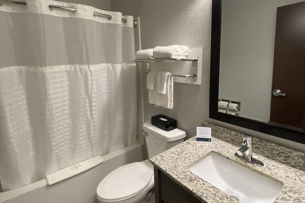 Стандартный номер, 1 двуспальная кровать, для некурящих - Ванная комната