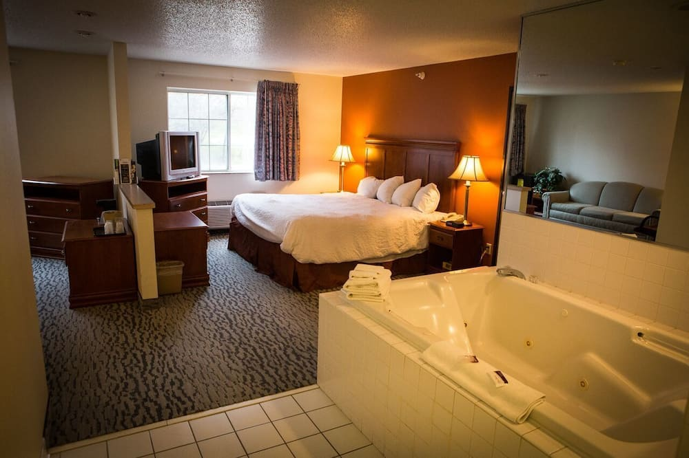 Suite, 1 King Bed, Non Smoking, Jetted Tub - Guest Room
