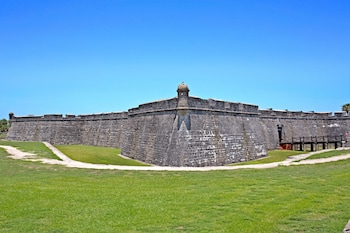Enter your dates for our St. Augustine last minute prices