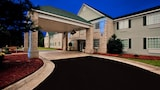 Reserve this hotel in Kilmarnock, Virginia