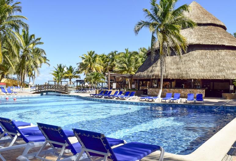 ريف يوكاتان شامل جميع الخدمات هوتل آند كونفينشن سنتر, تلشاك بويرتو, حمّام سباحة خارجي