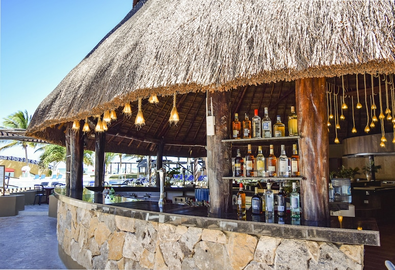 Reef Yucatan All Inclusive Hotel and Convention Center, Telchac Puerto, Hotelbar