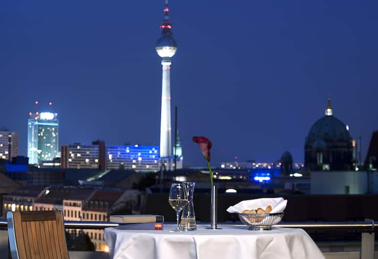 NH Collection Berlin Mitte Friedrichstrasse, Berlín, Restaurante al aire libre