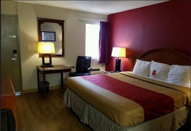 Econo Lodge Inn & Suites, Columbus, Standard Room, 1 King Bed, Non Smoking, Guest Room